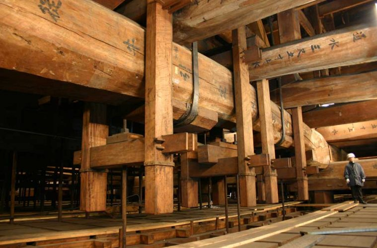 historic japanese woodwork and wood architecture