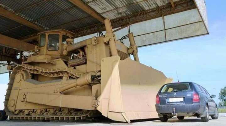 Biggest Bulldozer Made : Dozer data reveals the world s biggest bulldozer