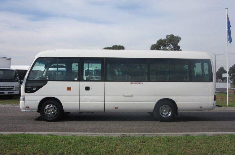 6b7671cf38 Review  2007 Toyota Coaster Mini Bus