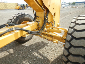 Cat 140M grader power train