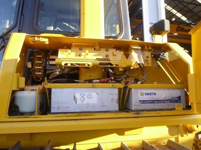 Komatsu dozer engine
