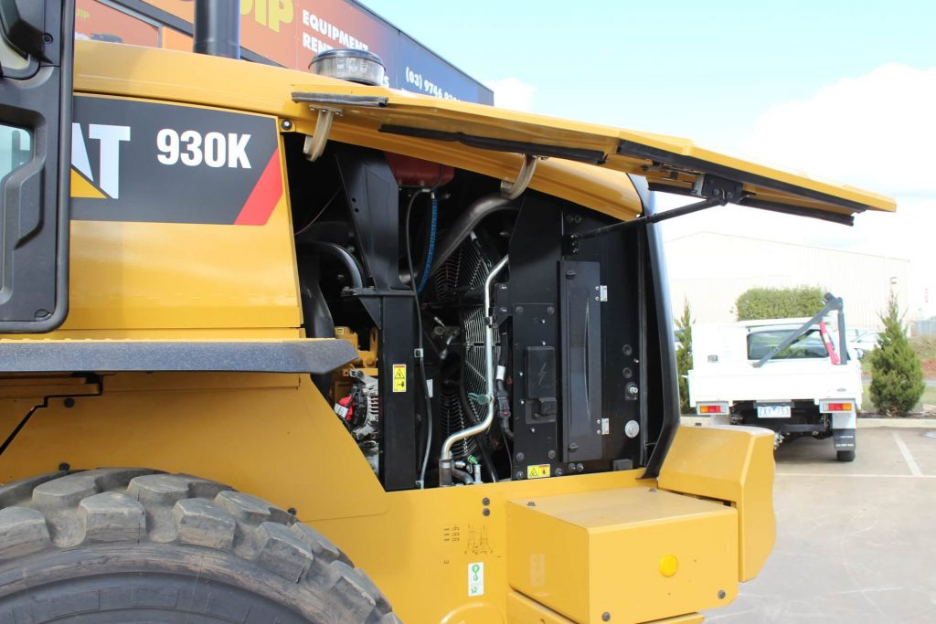 Cat loader 930K serviceability
