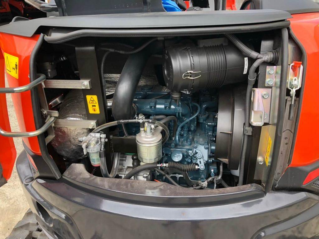 Kubota U35 4 engine