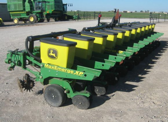 John Deere seeding equipment