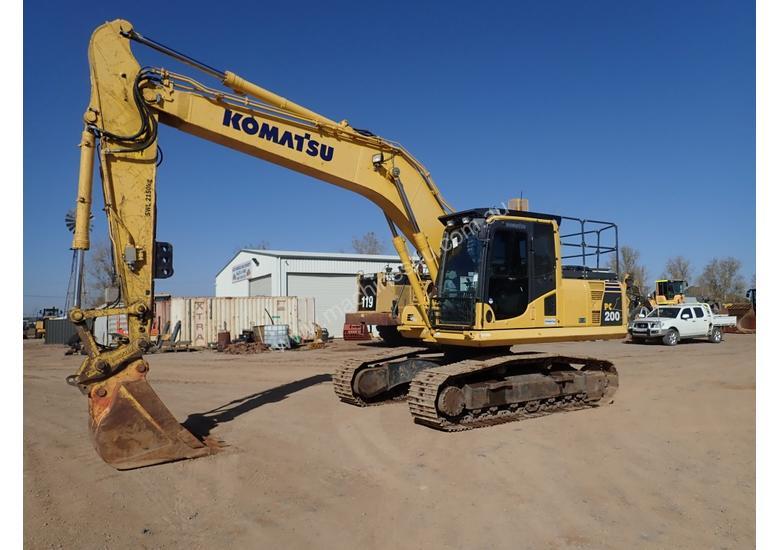 Komatsu Vs Caterpillar: Excavator Comparison - Machines4U