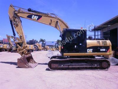 Komatsu Vs Caterpillar: Excavator Comparison - Machines4U