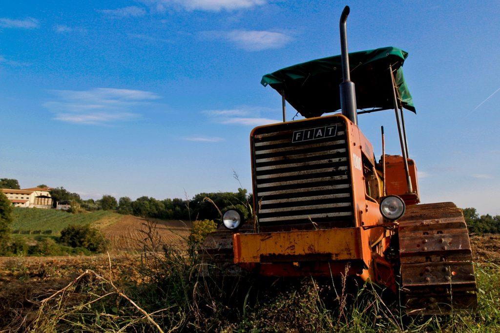 track tractors fiat