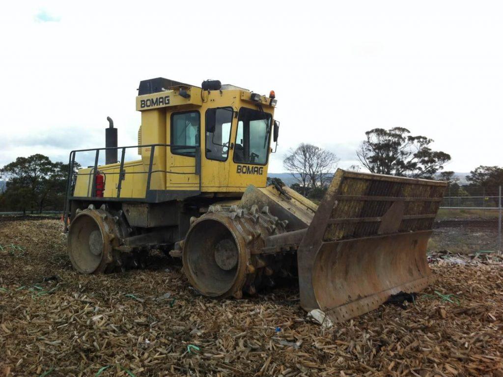soil compaction machine - landfill compactor