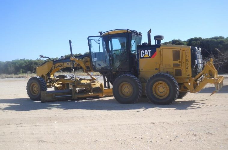 The Difference Between The 140h Cat 140m Grader