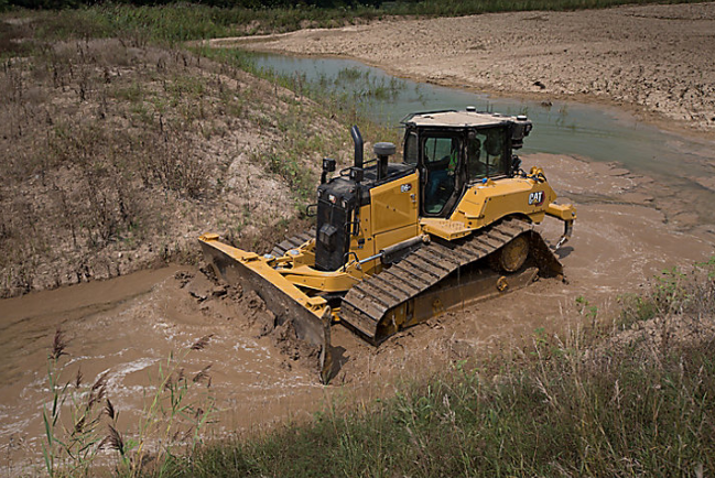 Improved technology in the Cat D6 XE