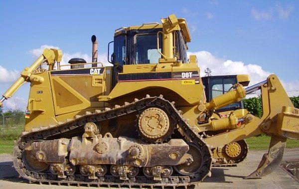 Cat D8T dozer