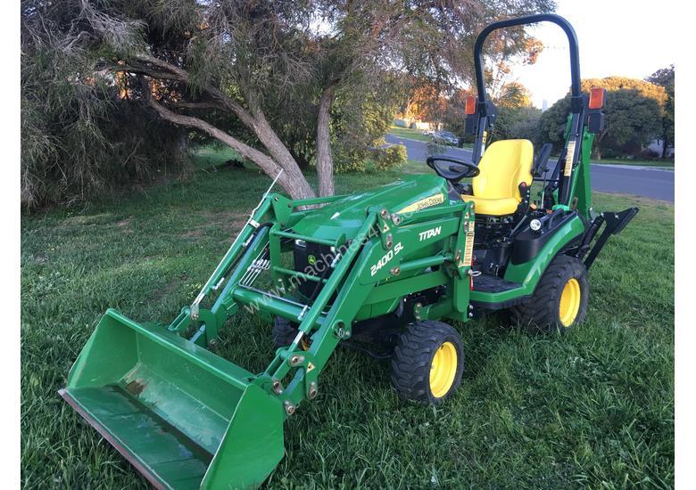 John Deere 1025R Small Tractor