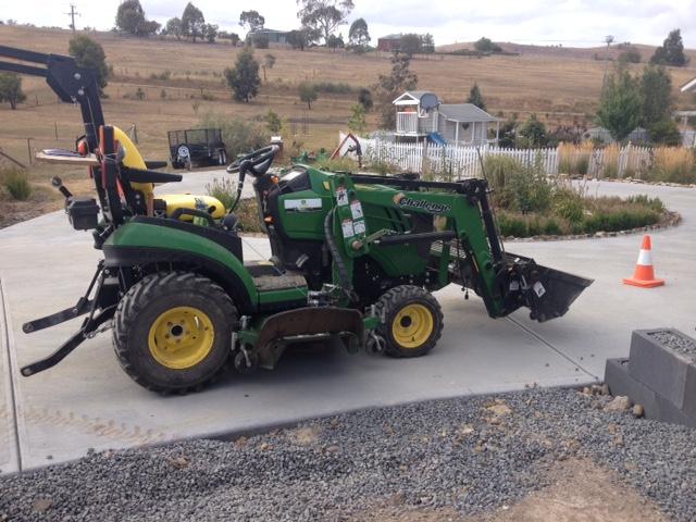 John Deere sub compact tractor
