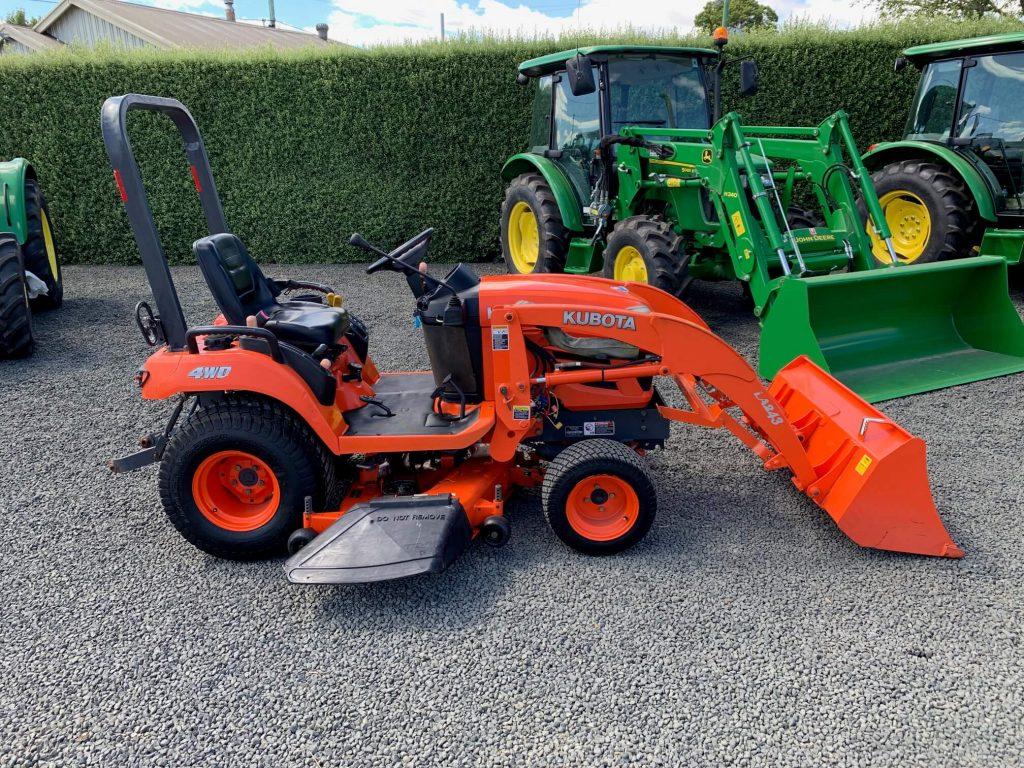 Kubota sub compact tractor