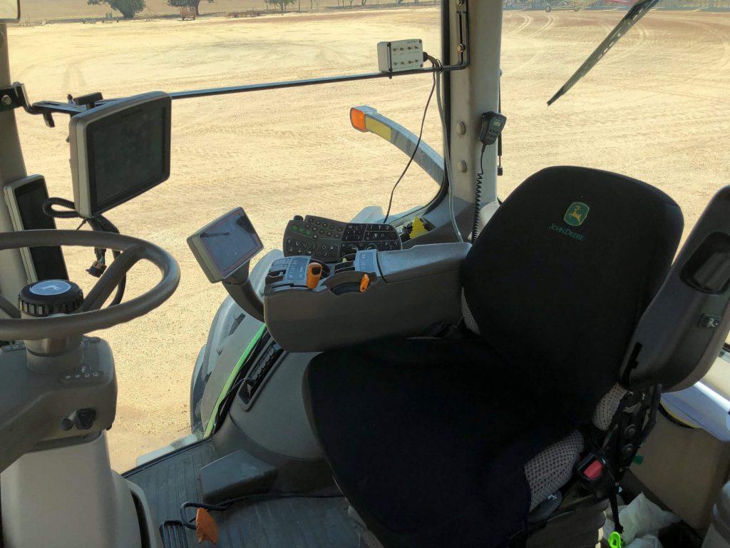 John Deere 8285R cab