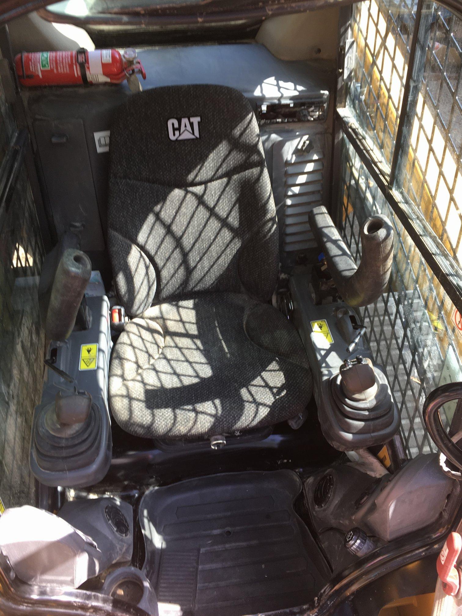 Cat 239D Cab