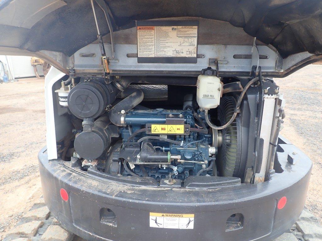 Bobcat E45 engine