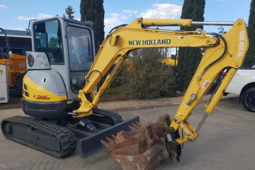 New Holland E35B