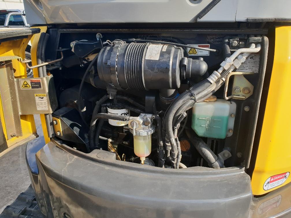 E35B Engine