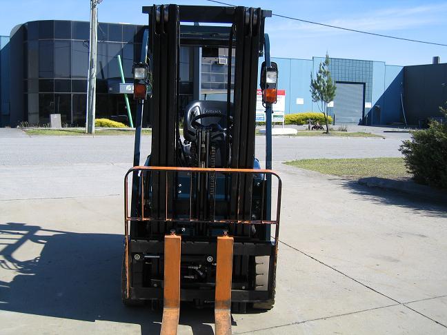 Forklift - front with pallet forks