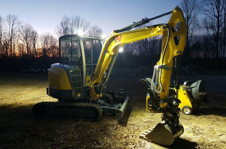 Zero swing excavator