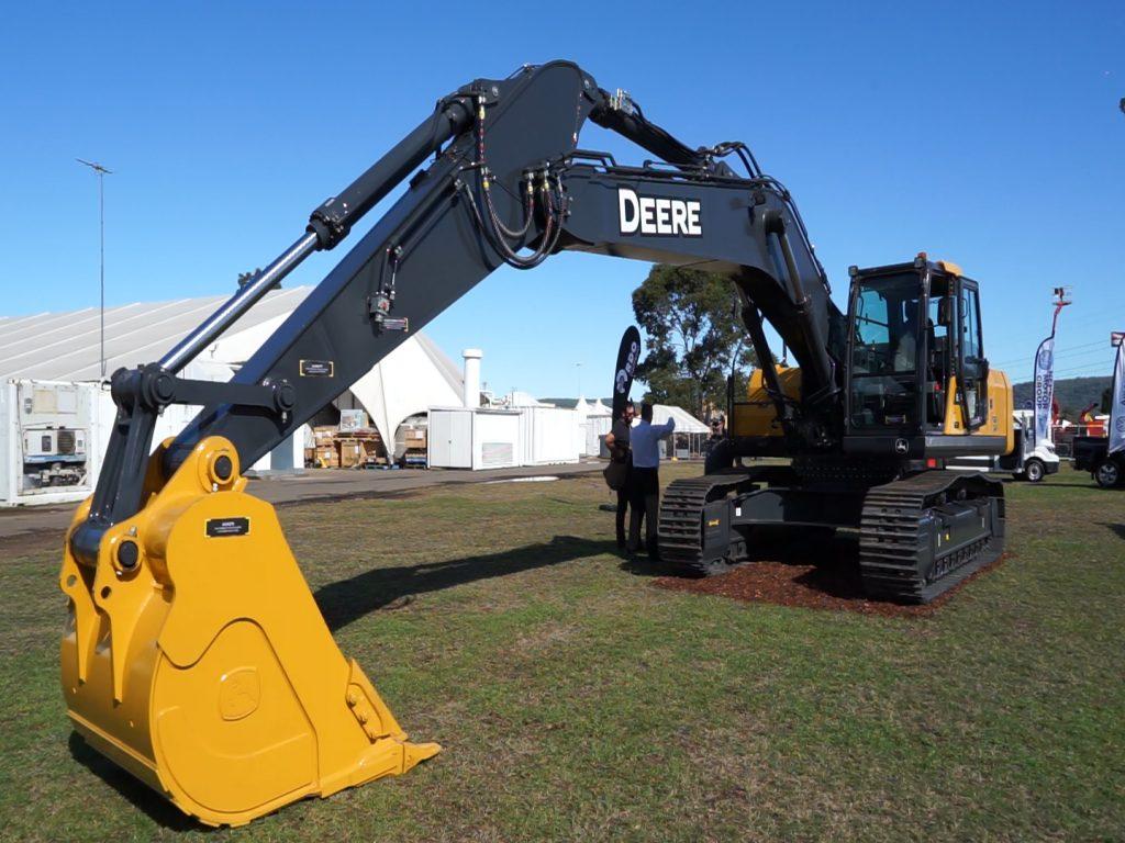 John Deere Construction E360 LC excavator