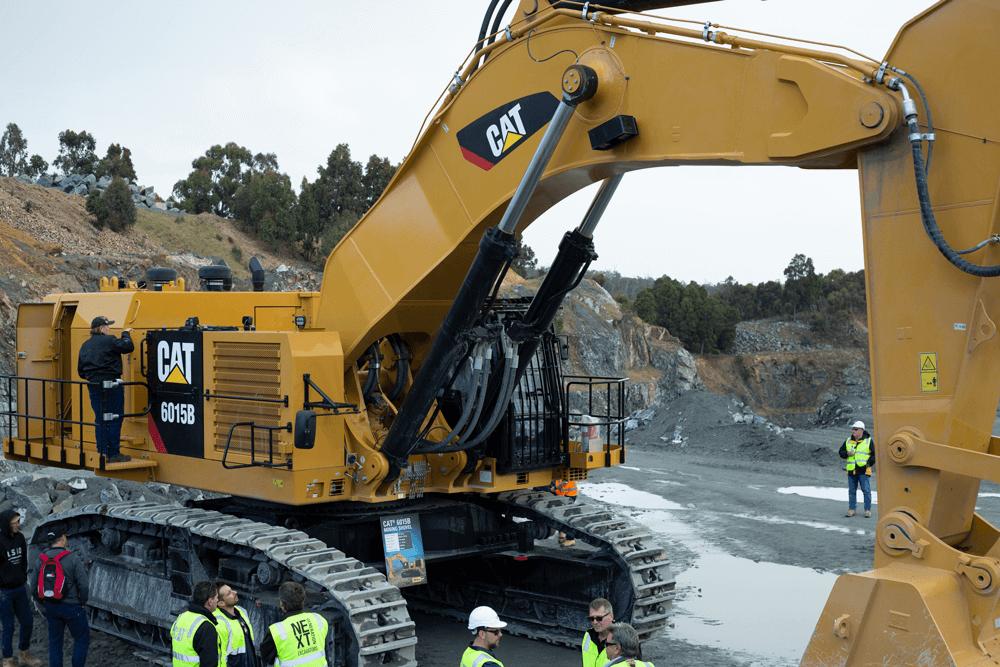 Large Cat 6015B excavator