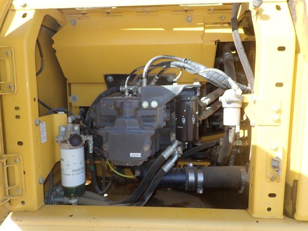 PC200 excavator engine